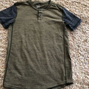 American Eagle Active Flex T shirt
